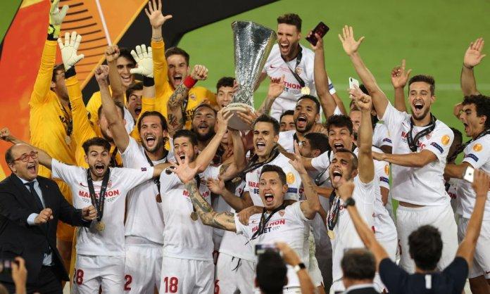 Sevilla FC alza el título de la Europa League por sexta vez. (UEFA)