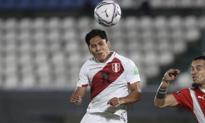 Raúl Ruidíaz fue titular ante Paraguay en la primera fecha de las Eliminatorias. (FPF)