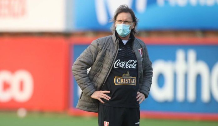 Ricardo Gareca hizo una pausa al Perú vs. Chile para hablar de la situación del país. (FPF)