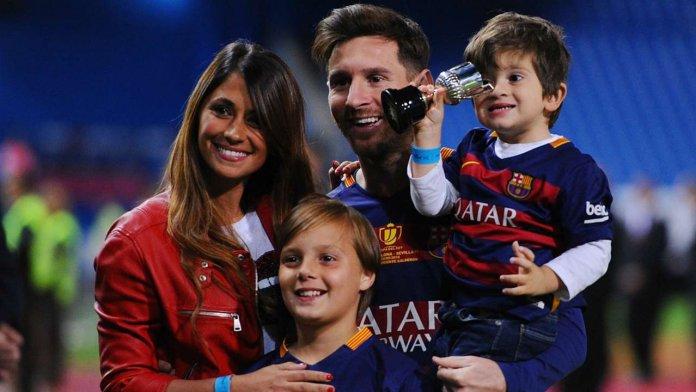 Antonella Roccuzzo y Leo Messi en San Valentín