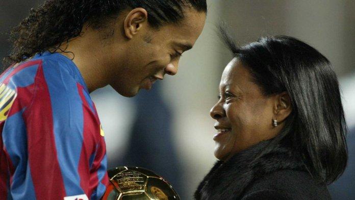 Madre de Ronaldinho murió por COVID-19